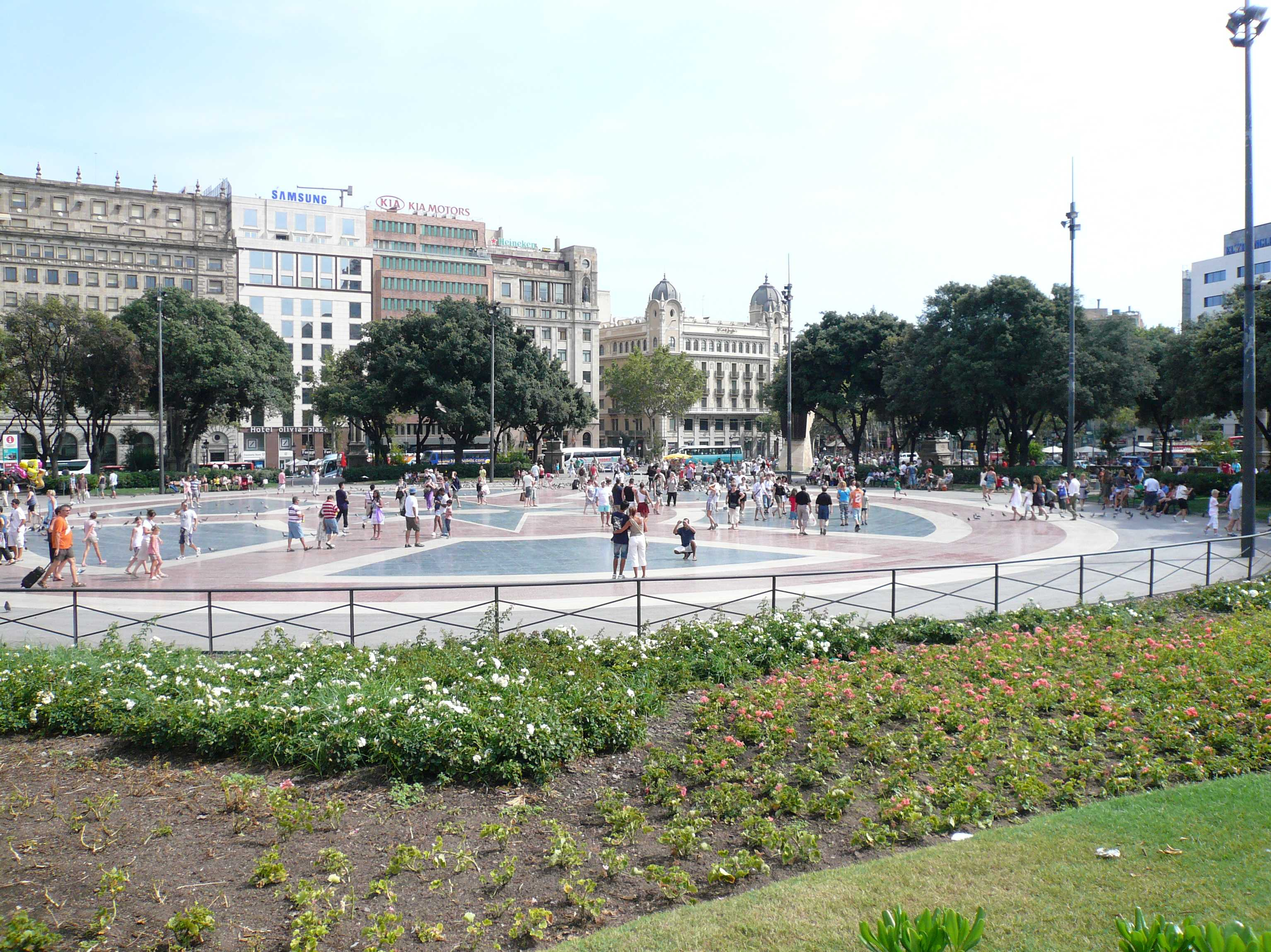 spanien costa brava highlights u bahn barcelona placa catalunya. Black Bedroom Furniture Sets. Home Design Ideas